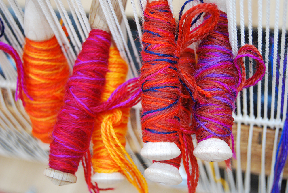 Colour Blending with Wool - Tuft Making and Bobbin Winding Session