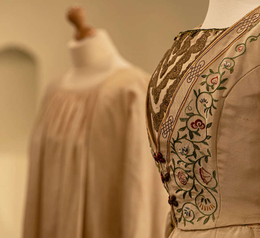 Fashioning May Morris: Artistic Dress in Victorian Britain